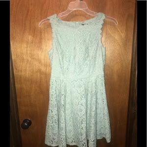 MintColored Women's Mid-Thigh Length Dress Size 11